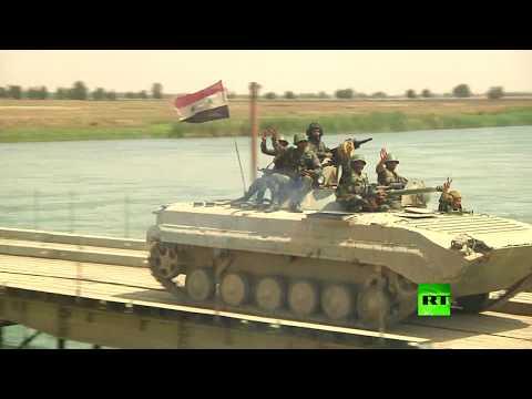 شاهد العسكريون الروس يدشنون جسرا جديدا عبر الفرات