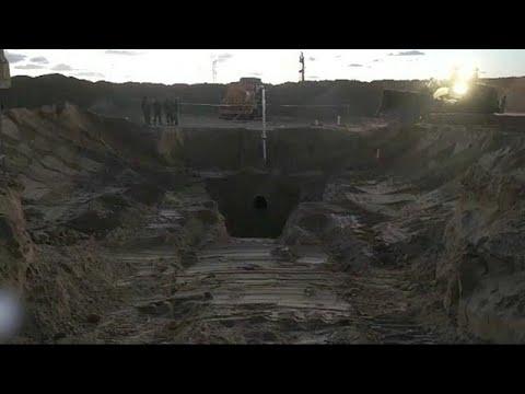 إسرائيل تدمر نفق هجومي بالقرب من غزة