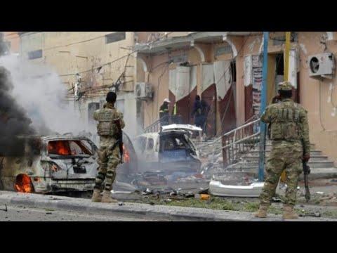 شاهد مقتل أكثر من 40 شخصًا وإصابة العشرات في سلسلة تفجيرات هزَّت مقديشو
