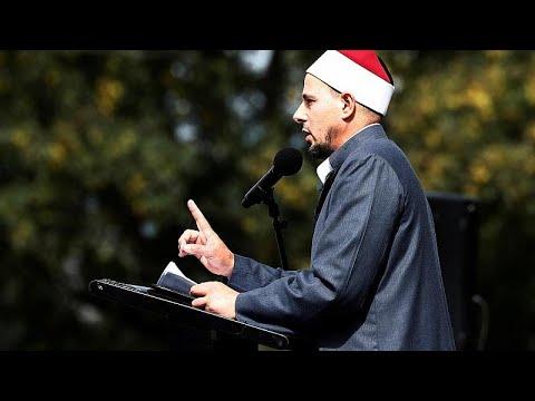 شاهد إمام مسجد بنيوزيلندا يُطالب أنّ تكون مذبحة المسجدين نقطة تحول