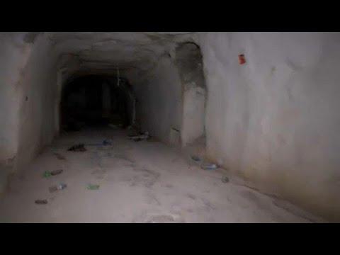 شاهد العثور على أنفاق مجهزة كـقلاع بالقرب من خان شيخون السورية