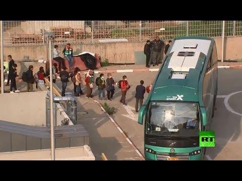 شاهد ترحيل سياح أجانب من إسرائيل على خلفية انتشار كورونا