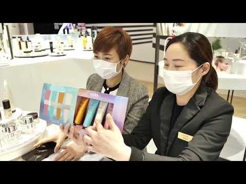 شاهد كورونا تجبر الصينيين على شراء مستحضرات تجميل عبر اتصالات الفيديو
