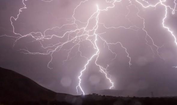العرب اليوم - البرق والرعد في المنام