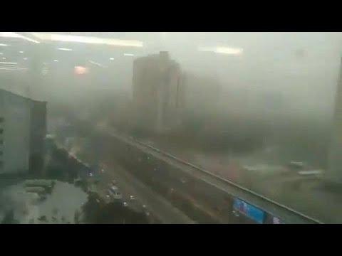 العواصف الترابية تخلّف ورائها ضحايا بالمئات