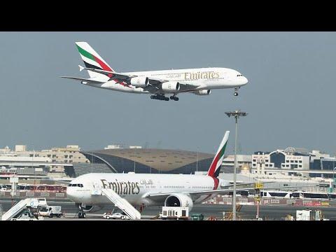 شاهد طيران الإمارات توقّع صفقة مع إيرباص بـ21 مليار دولار