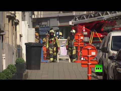 شاهد الشرطة البلجيكية تتلقى بلاغًا بوجود قنبلة في أحد أحياء بروكسل