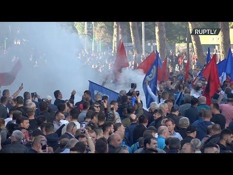 مظاهرات حاشدة في ألبانيا معارضة للحكومة ومؤيدة للتوجه الأوروبي