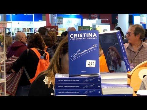 كريستينا دي كيرشنر تقدم مؤلفًا جديدًا يعرض سيرتها الذاتية