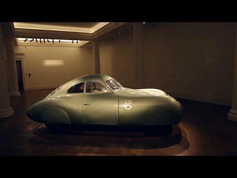 شاهد عرض أقدم سيارة بورشه في العالم في المزاد