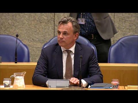 شاهد استقالة وزير الهجرة الهولندي خلال مُناقشة برلمانية