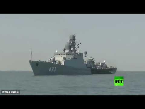 شاهد تدريبات روسية على إطلاق النار من مدافع على الألغام البحرية