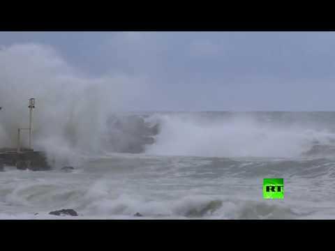 شاهد عاصفة قوية تضرب لبنان وتسبب أضرارًا كبيرة