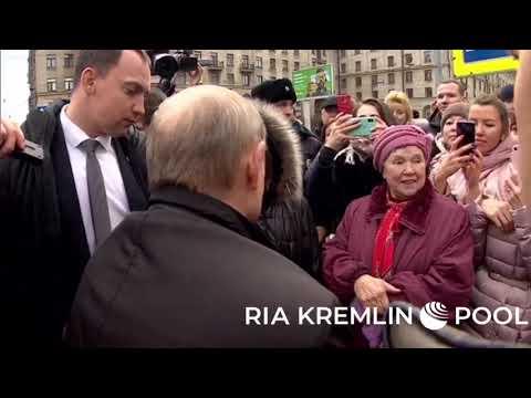 شاهد إحراج امرأة روسية للرئيس فلاديمير بوتين وماذا كان رده عليها