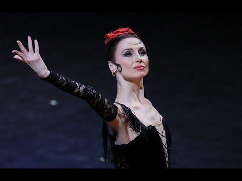 شاهد راقصة البولشوي تقدم عرضًا جديدًا عن كوكو شانيل