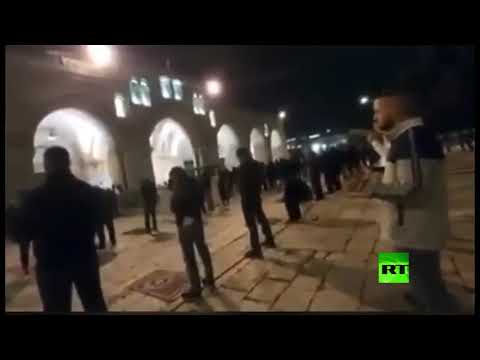 شاهد آخر صلاة في المسجد الأقصى قبل إغلاقه