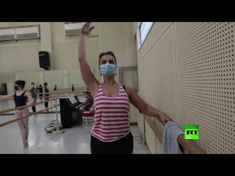 شاهد فرقة باليه أوبرا القاهرة تبدأ أولى بروفاتها في قاعات التدريب
